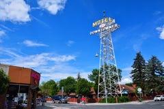 Neonteken van het Downtowner-Motel stock foto