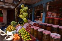 Nepal, Bhaktapur-Speicher mit Nahrungsmitteln Stockfoto