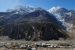 nepal Ciudad de Manang en el pie del soporte Gangapurna Foto de archivo libre de regalías