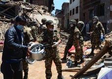 NEPAL-COLLAPSED-INFATRACTURES стоковая фотография rf