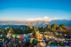 Nepal - 26. Dezember 2016:: Poon Hill-Standpunkt für sehen Schnee MO Stockfotos