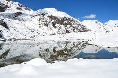 Nepal, el Himalaya, lago Gokyo, 4700 metros sobre nivel del mar Imagen de archivo