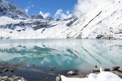 Nepal, el Himalaya, lago Gokyo, 4700 metros sobre nivel del mar Imagenes de archivo