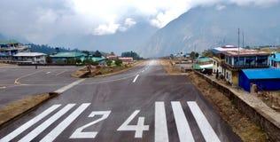 Nepal, Flughafen Lukla, das meiste dangerou in der Welt lizenzfreie stockfotografie
