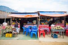 Nepal 23 2017 Grudzień: owoc sklep w Kathmandu miasteczku Fotografia Stock