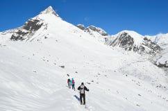 Nepal, Himalayas, outubro, 20, 2013 Turistas em uma fuga de montanha nos Himalayas Foto de Stock