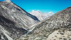 Nepal - Manang dal royaltyfri bild