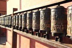Nepal. Modlitewni koła. obrazy royalty free