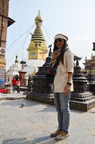 Nepalese και αλλοδαπών ταξίδι ανθρώπων στο ναό Swayambhunath Στοκ Εικόνες