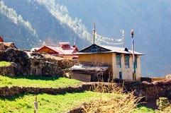 Nepalese huizen in meest everest gebied Stock Afbeeldingen