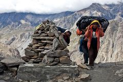 Nepalese porters at the pass Stock Photos