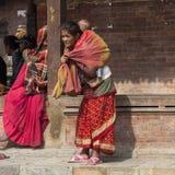 Nepalesische Mutter mit Kind Lizenzfreie Stockbilder