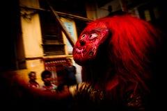 Nepalesisk man som kläs som Kumarien, Durbar fyrkant, Katmandu, Ne Arkivbild