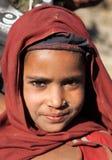 Nepalesiskt barn, huvud av unga flickan, i västra Nepal Arkivfoto