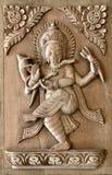 Nepalska ręka rzeźbił drewnianego panelu z tradycyjnym projektem Fotografia Stock