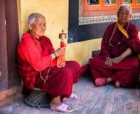 Nepalski kobiet ono modli się Zdjęcia Royalty Free