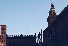 Neptun-Brunnen im Marktplatz Maggiore im Bologna, Italien - Kopienraum - Reiseziel stockfoto