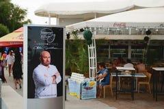 Neptun, Romênia - 8 de julho de 2017: Cozinheiro chefe Catalin Scarlatescu fotos de stock royalty free