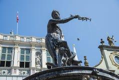 Neptun-` s Brunnen-Statue an der Straße des aufnahmefähigen Marktes, Gdansk Stockbilder