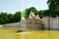 Neptun springbrunn Royaltyfria Bilder