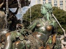 Neptunbrunnen (фонтан Нептуна) в Берлине Стоковые Фотографии RF