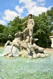 NEPTUNBRUNNEN fontanna w ogródzie botanicznym w Monachium, Niemcy (Neptun fontanna) Zdjęcia Stock