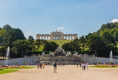 Neptune fontanna i glorieta przy Schönbrunn pałac, Wiedeń, Austria zdjęcie stock
