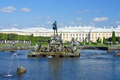 The Neptune fountain in Peterhof Stock Photography