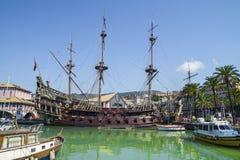Neptunspansk gallion i Genua, Italien arkivbilder