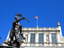 Neptunspringbrunn och Artus Court i Gdansk Polen Royaltyfri Bild