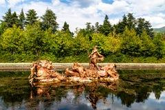 Neptunstaty för Sept 2018 - La Granja de San Ildefonso, Segovia, Spanien - i la Fuente de la Carrera de Caballos arkivbild