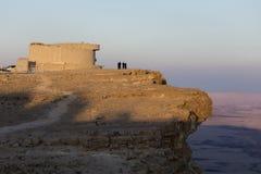 NEQEV沙漠,以色列- 2016年12月20日, :Makhtesh拉蒙火山口看法  库存照片