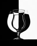 ner faller drinken glass vätskerörelsevatten Arkivfoto