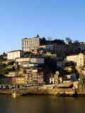 ner gammal porto town arkivbild