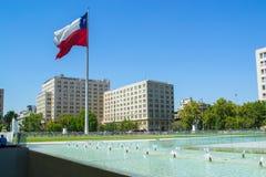 Ner stad i Santiago Chile Royaltyfri Bild