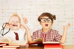 Nerd dei bambini fotografie stock libere da diritti
