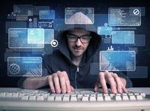 Nerd med exponeringsglas som hackar websites fotografering för bildbyråer