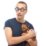 Nerd och hund royaltyfria foton