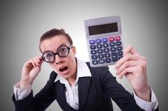 Nerd vrouwelijke accountant met calculator stock afbeeldingen