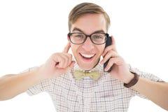 Nerdy modniś opowiada na retro telefonie Zdjęcie Royalty Free
