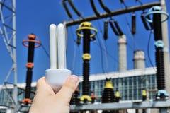 Énergie d'économie. Centrale de tension de haute énergie Image libre de droits