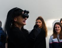 NERJA, ESPANHA - 11 de fevereiro de 2018 pessoa nos trajes que comemora Fotografia de Stock