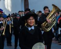 NERJA, ESPANHA - 11 de fevereiro de 2018 pessoa nos trajes que comemora Fotografia de Stock Royalty Free
