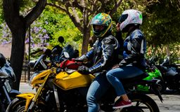 NERJA, SPAGNA - 10 giugno 2018 raduno del motociclo nel Anda famoso fotografie stock libere da diritti