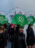 NERJA, SPANJE - FEBRUARI 11, 2018People in kostuums het vieren royalty-vrije stock afbeeldingen