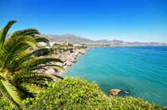 Nerja-Strand, berühmte touristische Stadt in Costa del Sol, MÃ-¡ laga, Spanien Stockbild
