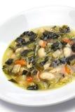 Nero de Zuppa di cavolo, sopa negra de la col rizada Fotos de archivo