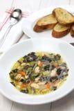 Nero de Zuppa di cavolo, sopa negra de la col rizada Imagen de archivo libre de regalías