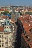 Nerudova街道鸟瞰图在布拉格 免版税图库摄影