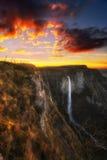 Nervion vattenfall på solnedgången Arkivbilder